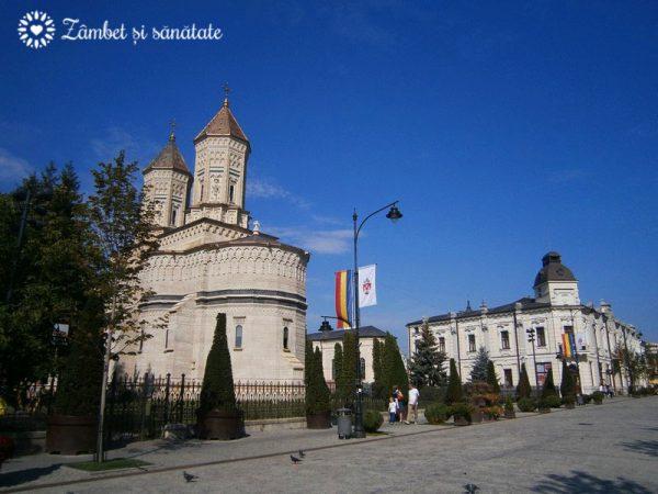 iasi-strada-pietonala-biserica