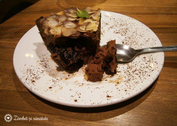 prajitura-cu-prune-si-ciocolata-bistro-carusel