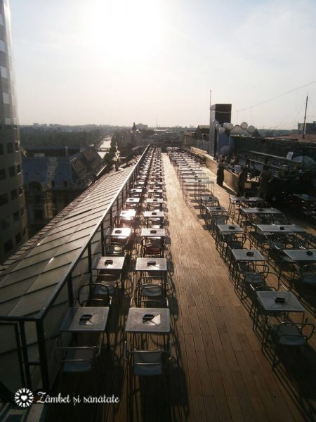 Linea Closer to the moon rooftop bar bucuresti