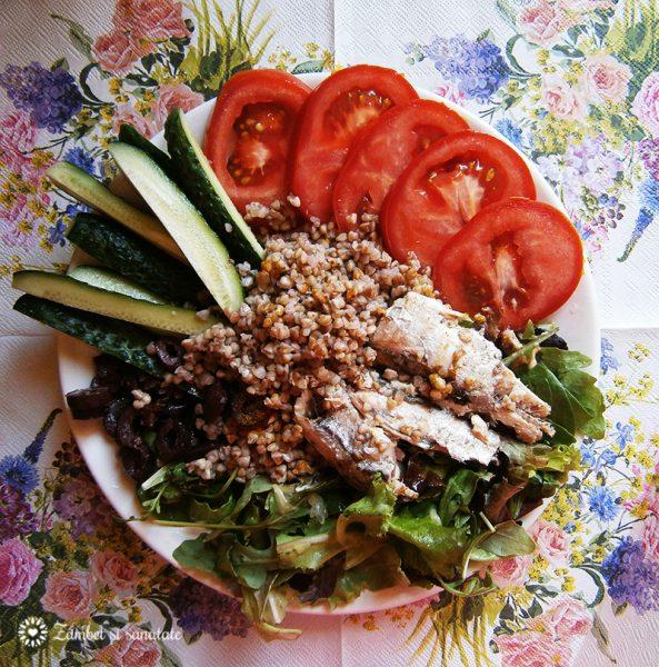 hrisca-salata-cu-legume-si-sardine