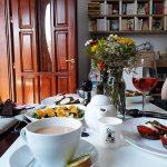 La petite bouffe – cărți, vin și pâine bună în Cotroceni