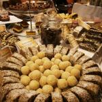 dulciuri-vegan-targul-raw-generation-expo