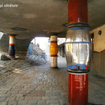 Hundertwasser viena stalpi