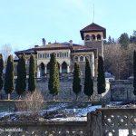 Bucegii văzuți de la Castelul Cantacuzino din Bușteni